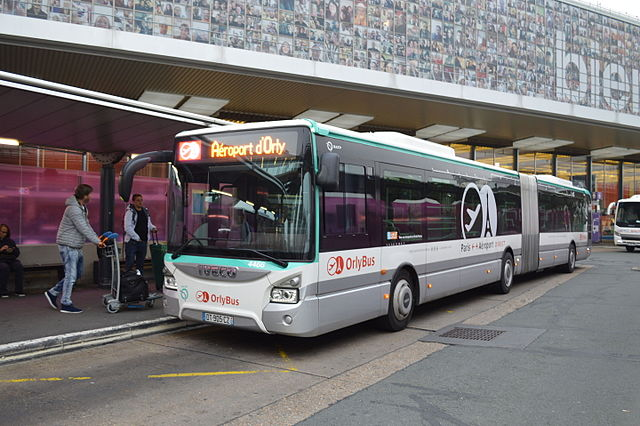 Iveco_Bus_Urbanway_18_n°4466_du_Orlybus_à_Orly-Sud